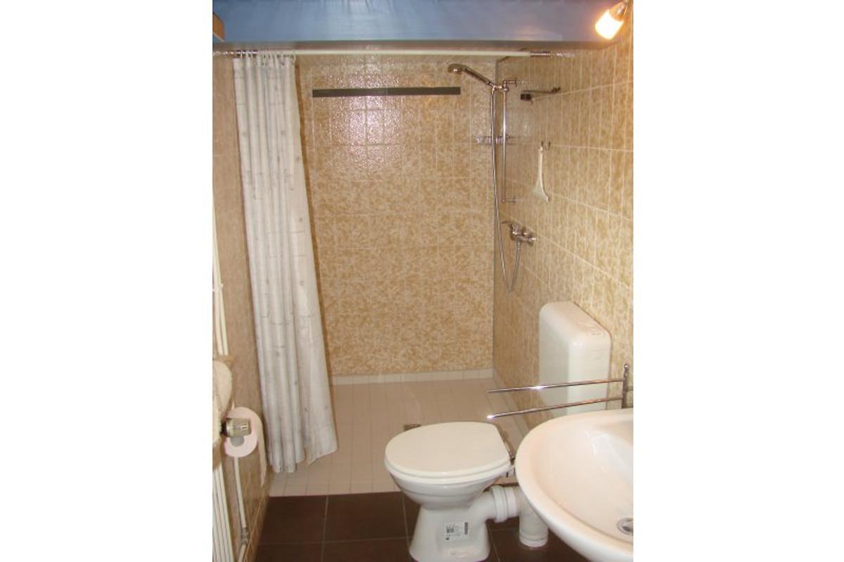 ferienhaus unter reet ferienhaus in emmelsb ll horsb ll mieten. Black Bedroom Furniture Sets. Home Design Ideas