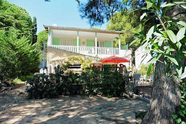 Casa en el campo en Saint-Pierre-la-Mer - imágen 1