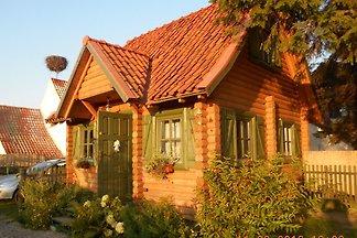 Casa de verano de vigas de madera