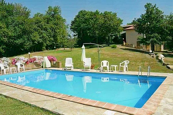 Casa Trebbi con piscina privata in Sassofortino - immagine 1