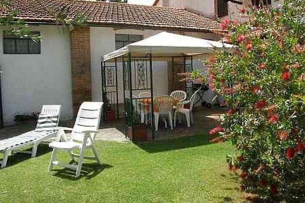 casa plinio mit pool ferienwohnung in roselle mieten. Black Bedroom Furniture Sets. Home Design Ideas