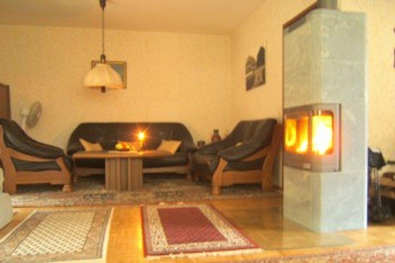 35qm Wohnzimmer mit großem Kamin