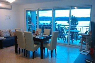 Villa frente al mar Klimno