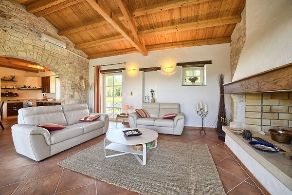rustikale villa mit pool ferienhaus in buzet mieten