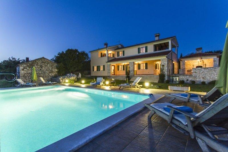 Rural Villa avec piscine et vue à Skitaca - Image 2