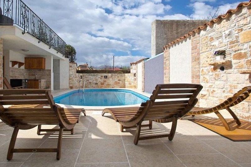 Casa Sterna con piscina in Marcana - immagine 2