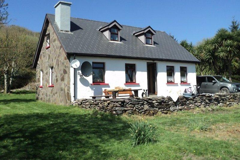 Cottage vom Garten aus