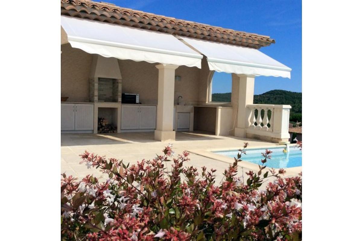 Studio avec piscine priv e appartement saint rapha l louer for Appartement a louer a sidi bouzid avec piscine