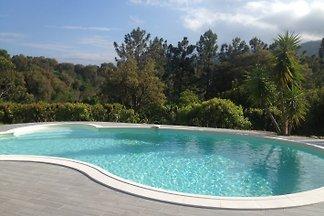 Villa de vacaciones con piscina