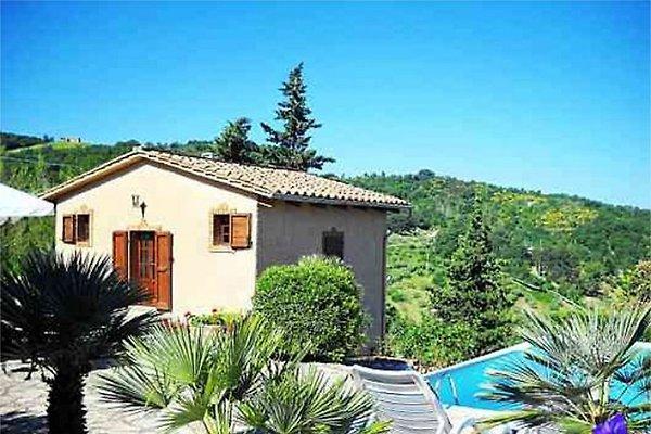 Villino con piscina privada casa de vacaciones en sasso for Casas con piscina privada para vacaciones