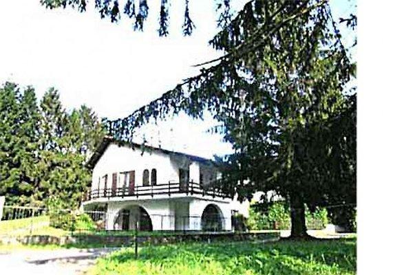 Casa Pina on the Mezzolasee in Colico - picture 1