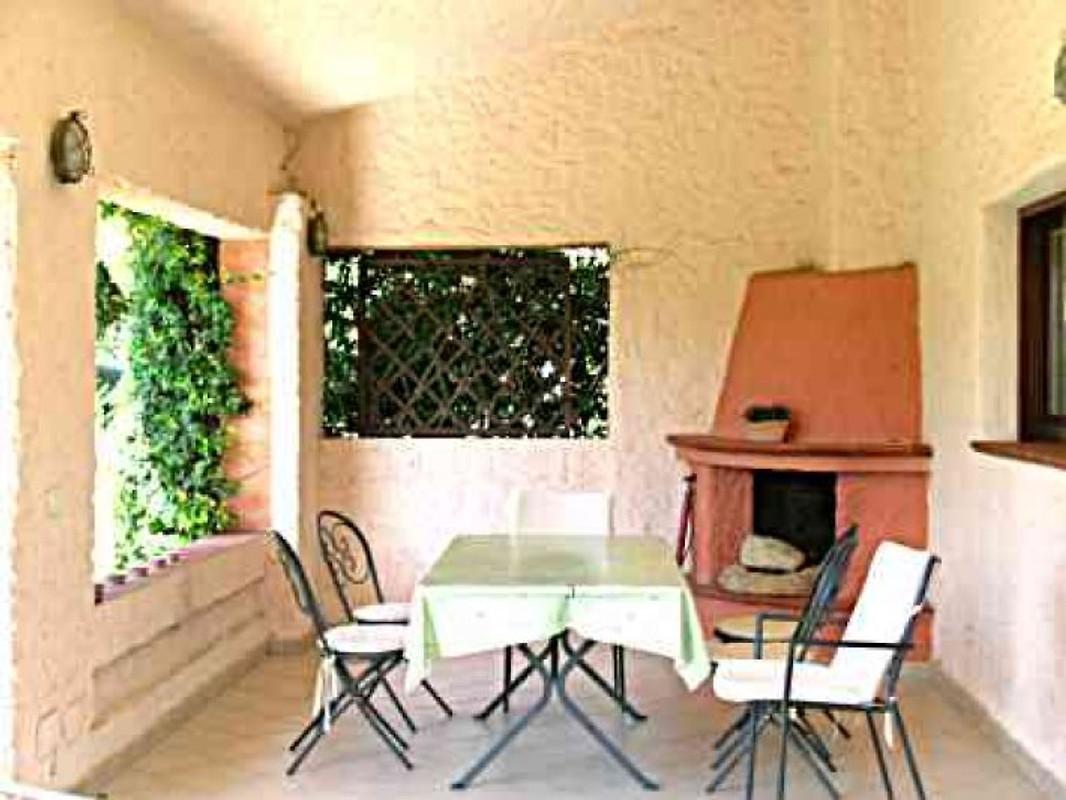 Villa anna pina sardegna del sud casa vacanze in for Casa colonica vivente del sud