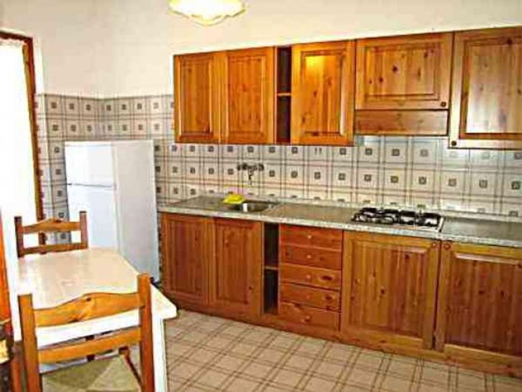 Residence giannella bij argentario vakantie appartement in giannella huren - Pijnbomen meubels ...