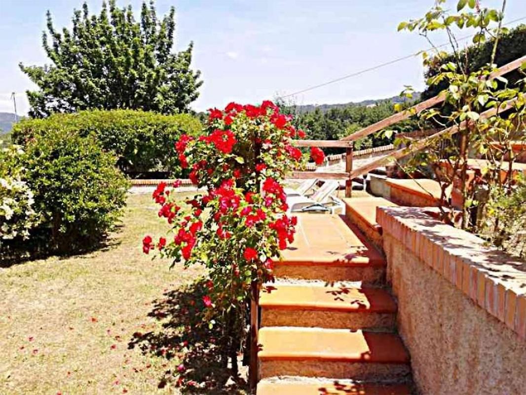 Villino mit privatpool und garten ferienhaus in sasso for Garten 2 ebenen