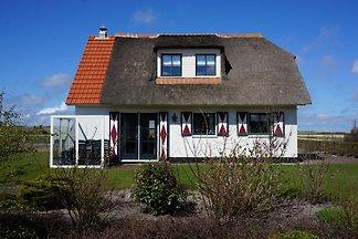 La casa vacanza ideale per un soggiorno rilassante con la famiglia o con gli amici. Questa villa di paglia può ospitare fino a 6 persone. Callantsoog offre diversi punti di vista