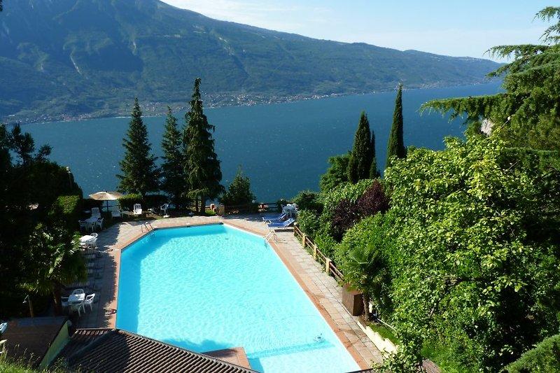 Der Pool des benachbarten Hotel Panorama