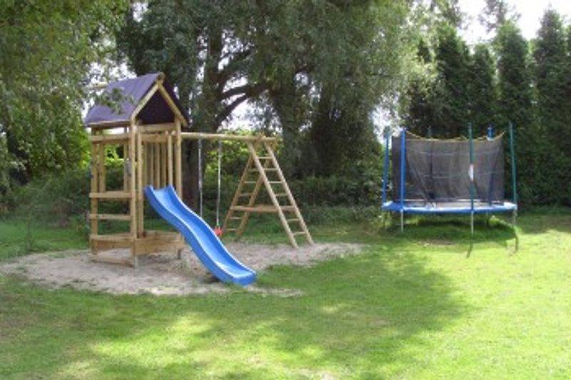 Landhaus Hofmann Garten mit Spielplatz für die Kinder