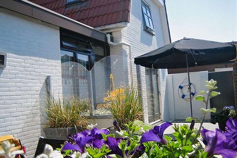 Garten mit Terasse