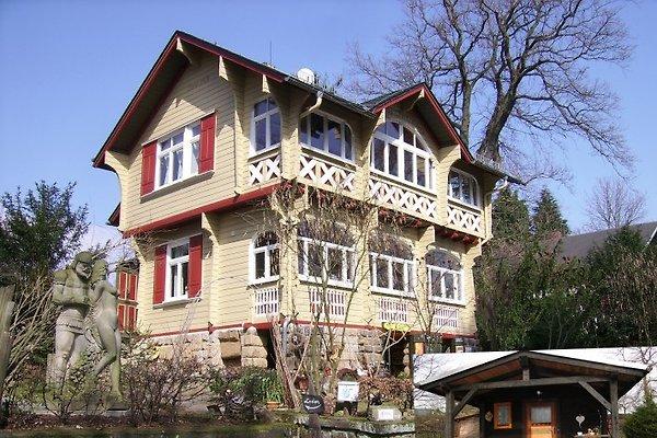 Haus mit Hütte