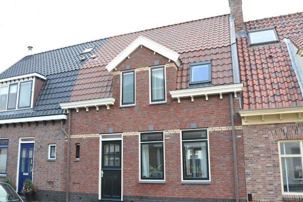 Onder de Vuurtoren à Egmond aan Zee - Image 1