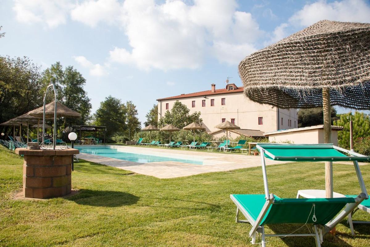 naehe meer fewos und villen pool ferienwohnung in montescudaio mieten. Black Bedroom Furniture Sets. Home Design Ideas