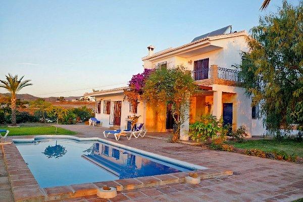 Casa Jardin Bolero en Benajarafe - imágen 1