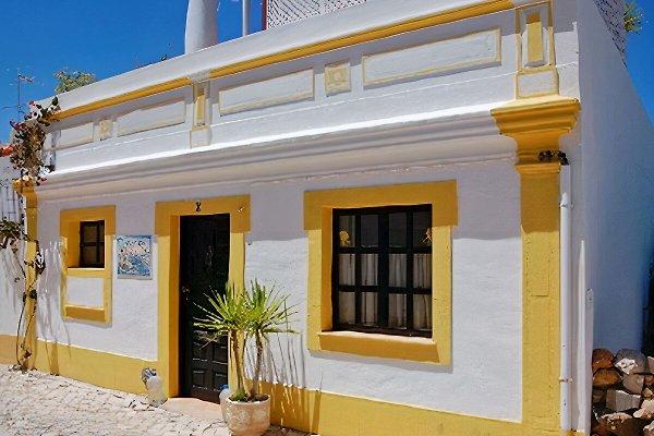 Casa Harbourview, tolle Lage in Ferragudo - Bild 1