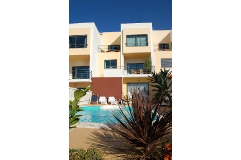 Maison Vitor`s Village avec piscine à Ferragudo - Image 2