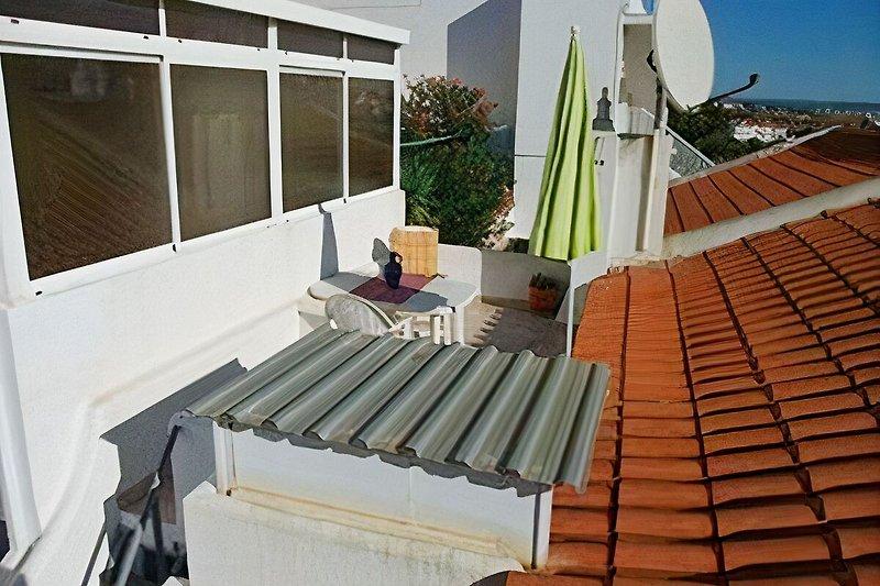 Blick auf die kleine Dachterrasse