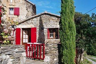 Steinhaus, Ardèche, nah am Fluß