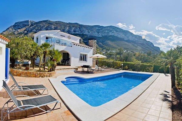 Villa Pastor mit Poolbereich