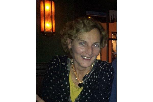 Frau M. Van der Plas