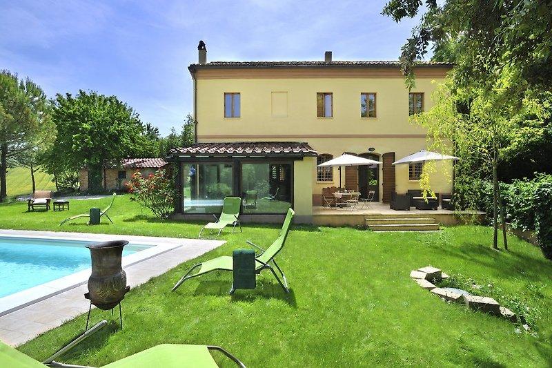 Marcas de vacaciones Luce tra i faggi en Montemaggiore al Metauro - imágen 2
