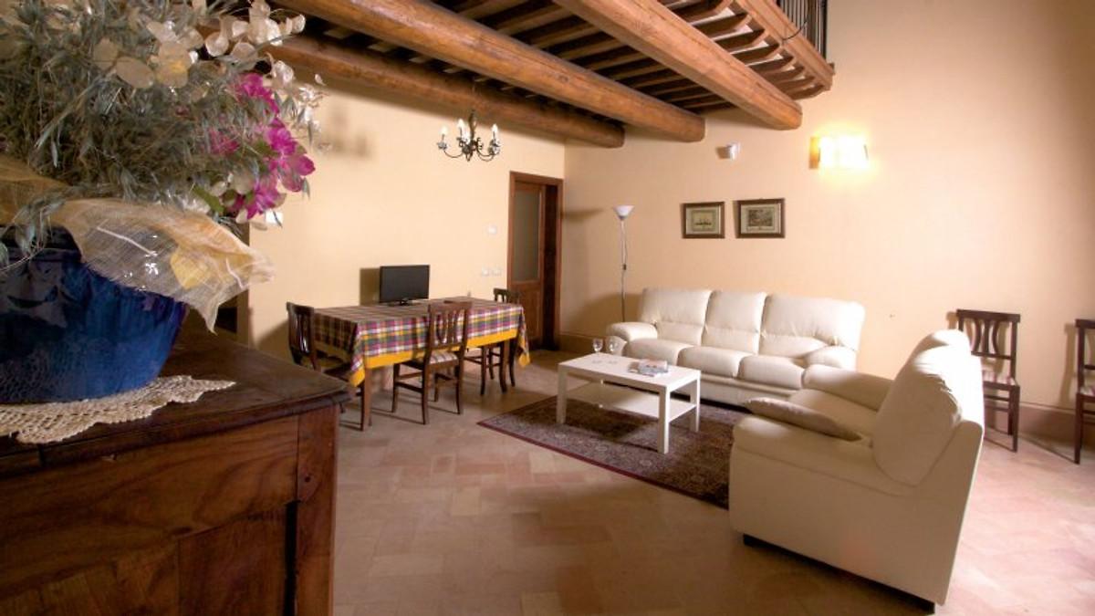 duca federico ferienhaus in belforte alisauro mieten. Black Bedroom Furniture Sets. Home Design Ideas