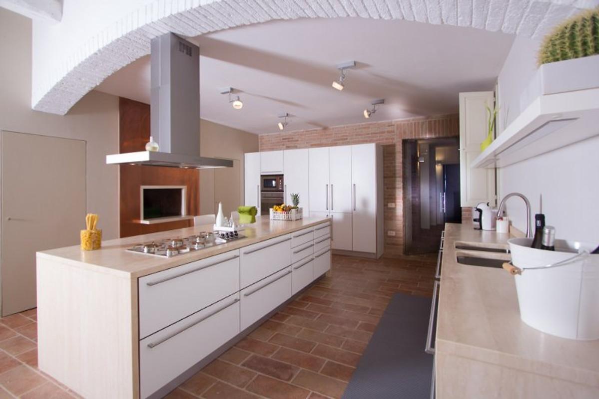Appartement villa orizzonte vakantie appartement in san costanzo huren - Keuken ontwikkeling in l ...