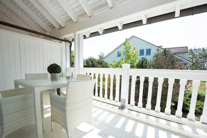 Ihr überdachter Balkon/ Terrasse