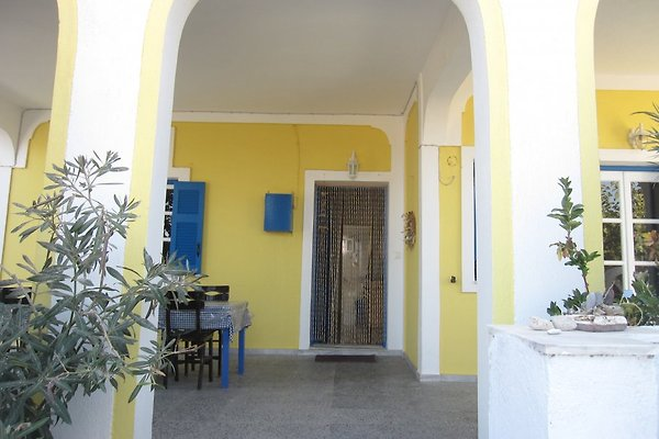 Ferienhaus im Grünen in Santorini - immagine 1