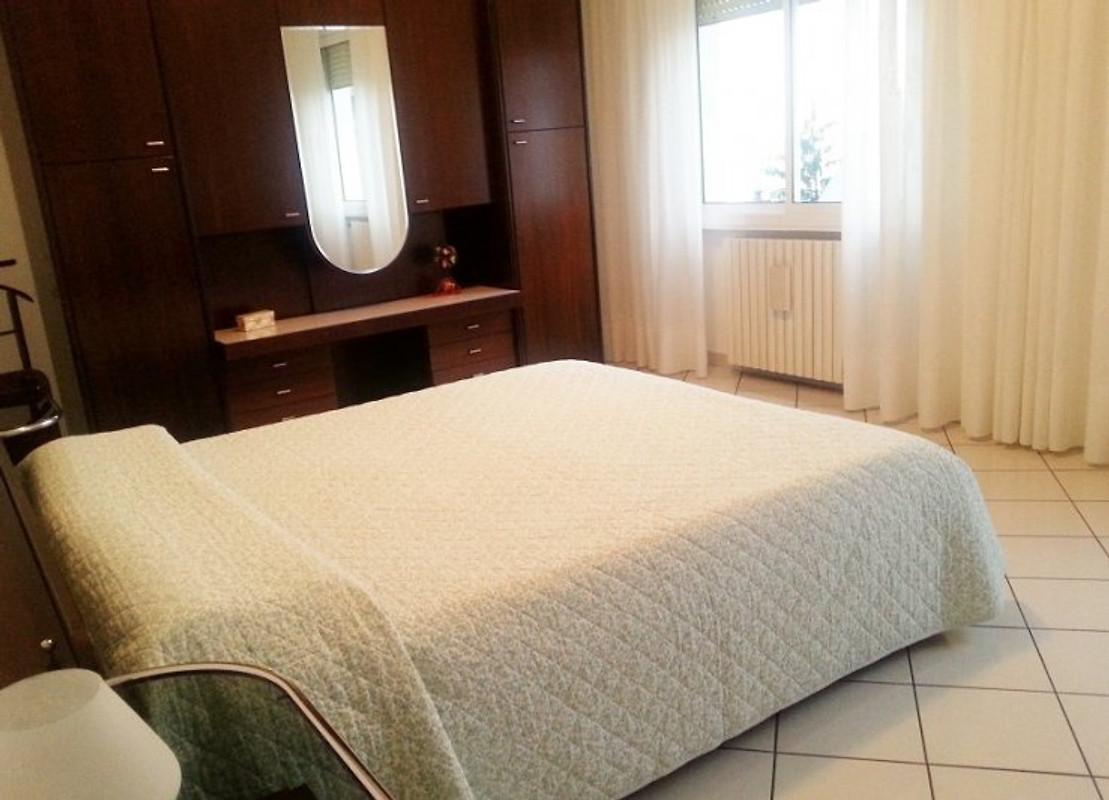 Casa ros appartamento in toscolano maderno affittare for Piani casa a prezzi accessibili 5 camere da letto
