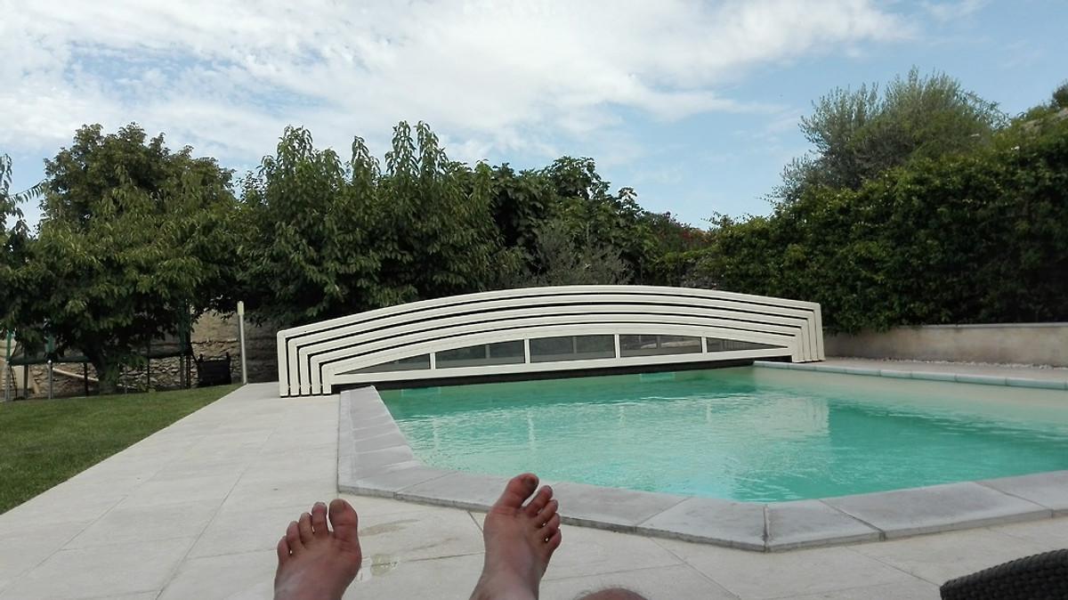 L 39 oustau de famiho maison de vacances chateauneuf de for Chateauneuf de gadagne piscine