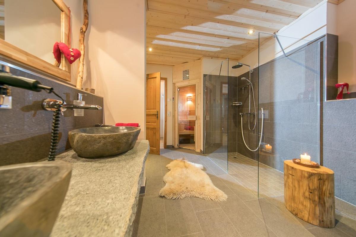 schlo chalet 2 4 personen ferienhaus in ilsenburg mieten. Black Bedroom Furniture Sets. Home Design Ideas