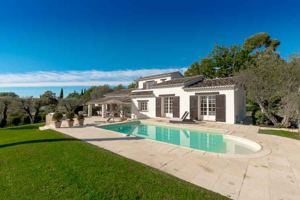 Villa tameye casa vacanze in valbonne affittare for Piani casa in stile artigiano 4 camere da letto