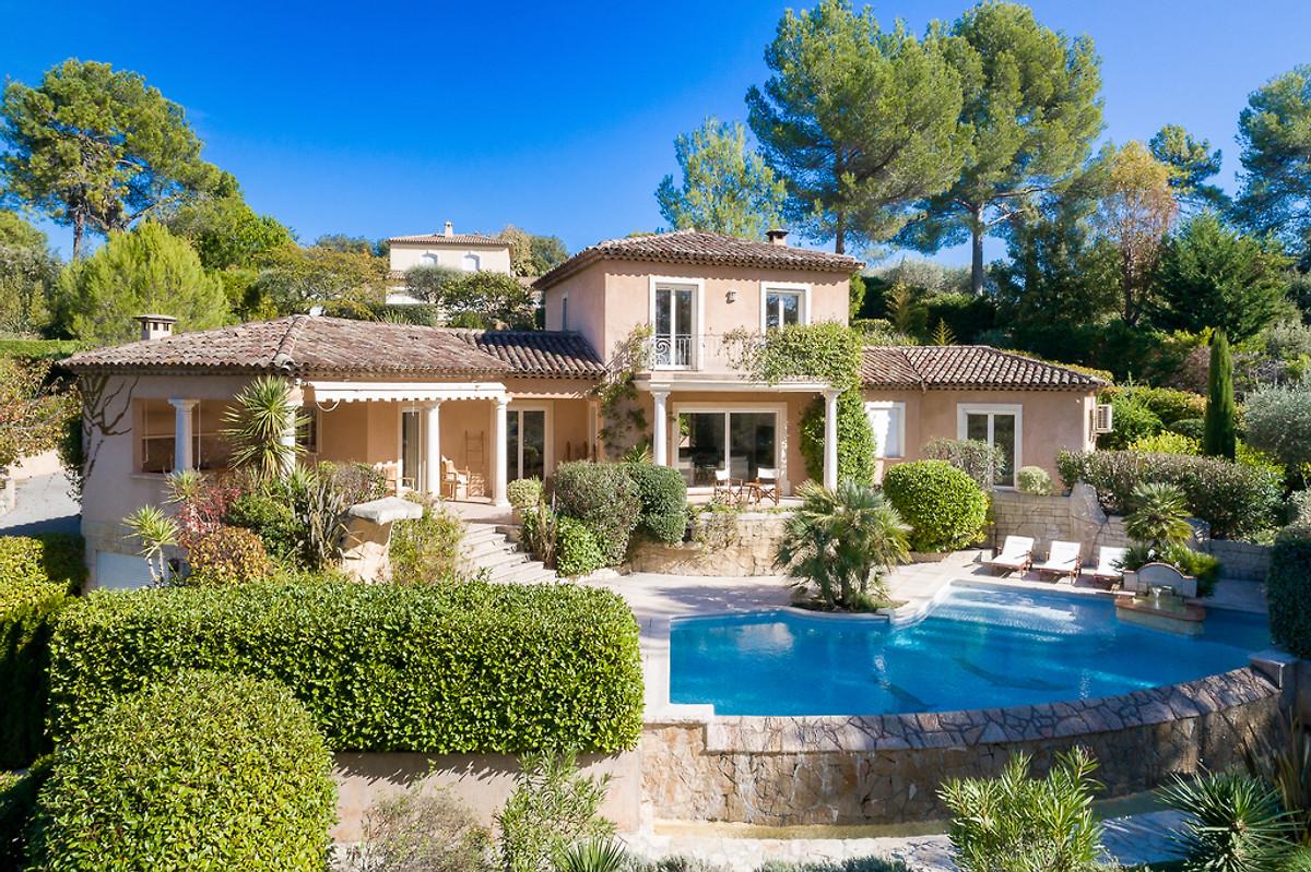 Villa peyrebelle maison de vacances valbonne louer for Location villa cote d azur piscine