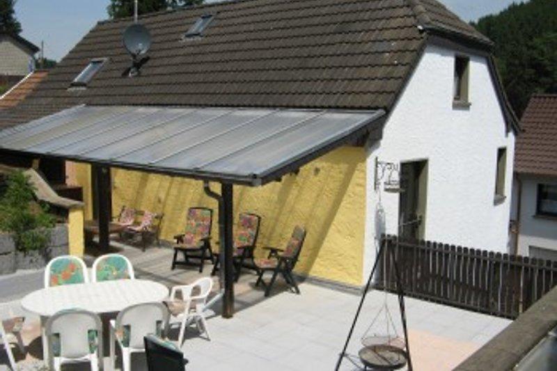 Das Haus mit einer Terrasse von ca. 55 qm.