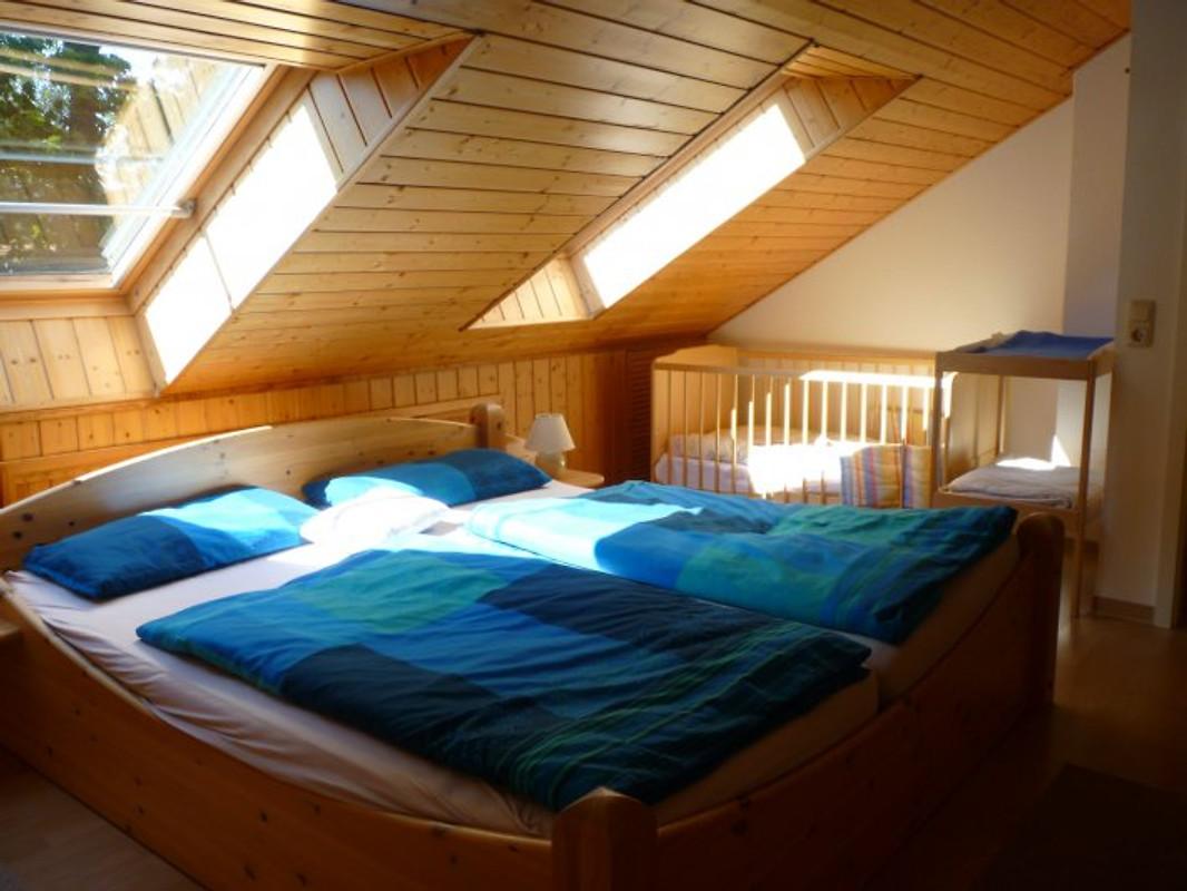 Ferienhaus Frida Boltenhagen - Ferienhaus In Boltenhagen Mieten Schlafzimmer Einrichten Mit Babybett