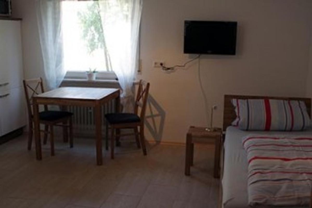 ferienwohnung serrer ferienwohnung in offenburg mieten. Black Bedroom Furniture Sets. Home Design Ideas