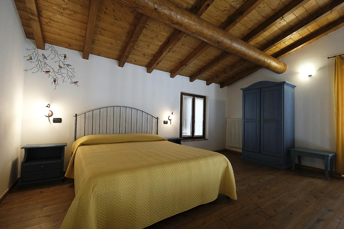 Rococo Bed Kopen : Appartement monzambano 1 vakantie appartement in peschiera del