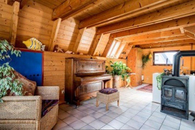 Haus jellenbek ferienhaus in schwedeneck mieten - Wohnzimmer mit kamin bilder ...
