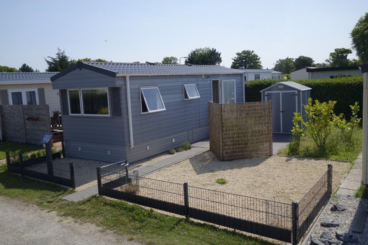 mobilheim in zeeland kamperland ferienhaus in. Black Bedroom Furniture Sets. Home Design Ideas