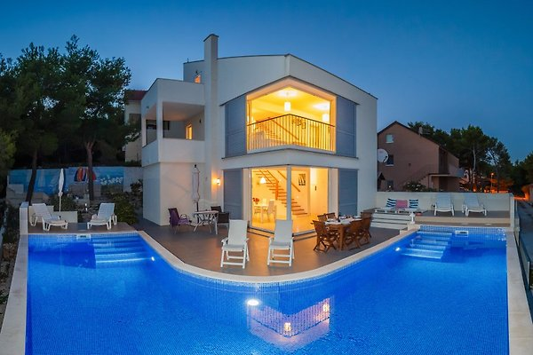 Ferienhaus Villa Casabianca **** in Milna - Bild 1