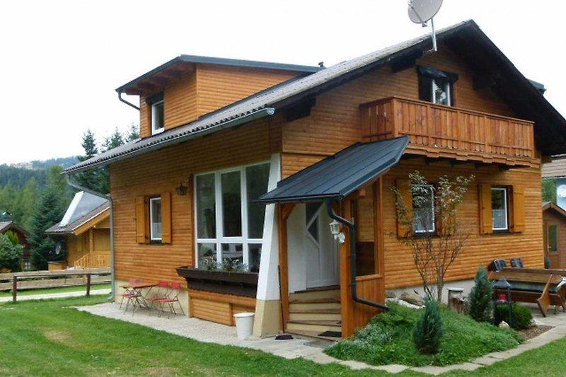 Ferienhaus mit Aussenanlage